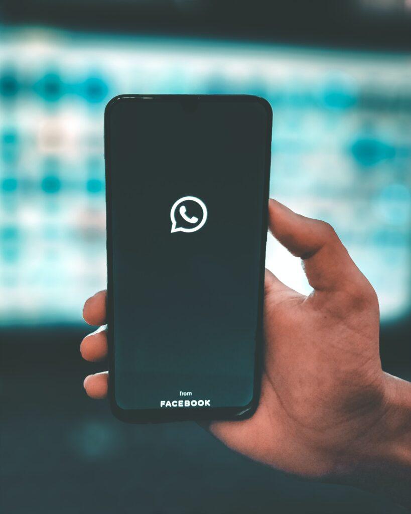 WhatsApp é utilizado na Central de Atendimento da i12 Sistemas (Reprodução: Unsplash)